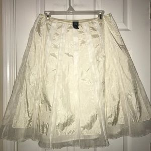 Saint Tropaz West Ivory Full skirt kneelength sz10